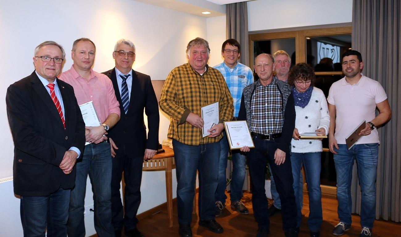 Die Geehrten, JHV 2017, mit Joachim Schlüter und Herbert Schmidt-Holthöfer, Foto: reni